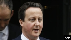 Britanski premijer, Dejvid Kameron u poseti Egiptu ne planira da se sastane sa predstavnicima Muslimanske braće, najjače opozicione frakcije u zemlji