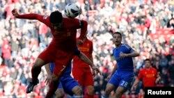 Bintang Liverpool Luis Suarez (kiri) kembali bermain dan tampil gemilang saat timnya mengalahkan Sunderland (foto: dok).