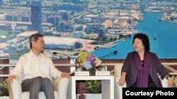 张志军和高雄市长陈菊进行会晤(陆委会提供)