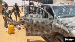 Wasu makamai da dakarun Najeriya suka kwato a hannun mayakan Boko Haram a Geidam (Twitter/@HQNigerianArmy)