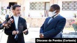 Bispo Luiz Fernando Lisboa e Presidente Filipe Nyusi