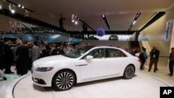 底特律車展上其中一部林肯型號豪華房車。