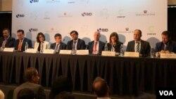 Representantes de grandes empresas de las Américas y el Banco Interamericano de Desarrollo, participan en la III Cumbre Empresarial de las Américas, en Lima, Perú. Abril 12 de 2018. Foto: Jacob Luzi, VOA.