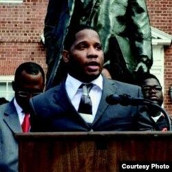 Dayvon Love, militant et cofondateur de Leaders of a beautiful struggle à Baltimore.