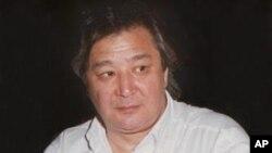 Алимжан Тохтахунов. Архивное фото 2002г.