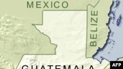 Núi lửa phun tro bụi che phủ miền Tây Guatemala