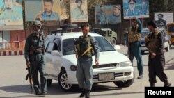حملہ آوروں کو شہر سے نکال دیا گیا ہے اور وہاں سکیورٹی اہلکار موجود ہیں۔