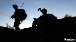 En el mensaje de la Casa Blanca de esta semana, el teniente coronel Francisco Leija rindió homenaje a los hombres y mujeres de las fuerzas armadas que han servido a EE.UU.