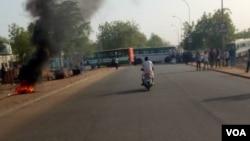 "Strikes between students and police at the University of Niamey, Niger April 1<div class=""e3lan e3lan-in-post1""><script async src=""//pagead2.googlesyndication.com/pagead/js/adsbygoogle.js""></script> <!-- Text_Display_Ad --> <ins class=""adsbygoogle""      style=""display:block""      data-ad-client=""ca-pub-7542518979287585""      data-ad-slot=""2196042218""      data-ad-format=""auto""></ins> <script> (adsbygoogle = window.adsbygoogle || []).push({}); </script></div>8, 2014."