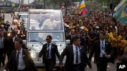El Papa Francisco dijo sentirse feliz de regresar a América Latina en el primer viaje de su pontificado.