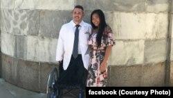 گالیازی و نامزدش که قرار است سال آینده با هم عروسی کنند.