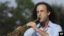 美国爵士乐手肯尼.G