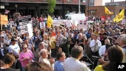 基罗一案的判决引发群众集会抗议