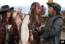 Captain Jack (Johnny Depp), Angelica (Penelope Cruz), Blackbeard (Ian McShane) and their eerie crew land on an island where they hope to find the fabled Fountain of Youth.