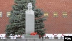 莫斯科红场克里姆林宫墙外的斯大林墓。