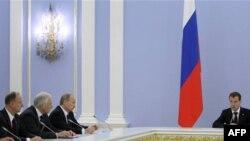 Заседание российского правительства во главе с президентом Медведевым, октябрь 2010