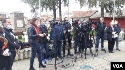 Na konferenciji za novinare 28. marta je saopšteno da Kliničko bolnički centar u Gračanici poseduje svega dva respiratora.