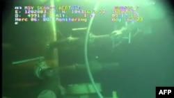 """Snimak kamere """"Britiš petrouleuma"""" s dna Meksičkog zaliva na kojem se vidi da više nema isticanja nafte"""