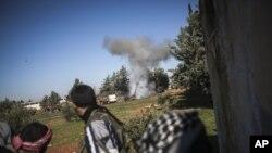 Şam yakınlarındaki bir askeri akademiyi kuşatan islamcı militanlar