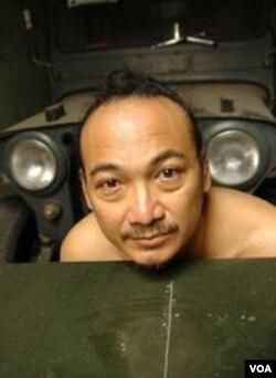 Heri Dono, salah satu seniman muda Indonesia yang kini mencuat.