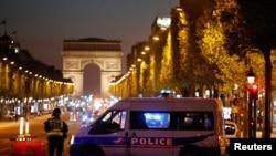 巴黎警方封鎖了香榭麗舍大道