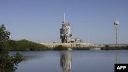 Florida'daki Kennedy Uzay Merkezi'nde fırlatılmayı beklenen Endeavour uzay dolmuşu