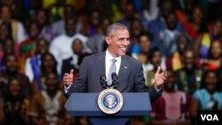 3일 워싱턴에서 열린 아프리카지도자 육성행사에서 연설하고 있는 바락 오바마 미국 대통령.