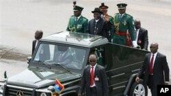 Le président Goodluck Jonathan lors des célébrations du cinquantenaire de l'indépendance à Abuja