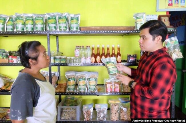 Andityas Bima Prasatya aktif dalam pembinaan UKM untuk merintis karier politiknya.(Foto: Dokumen pribadi)