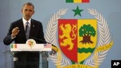 아프리카를 순방 중인 바락 오바마 대통령이 27일 세네갈에서 기자회견을 갖고 있다. 이 날 기자회견에서 오바마 대통령은 미국 국가안보상황에 대한 우려를 표명했다.