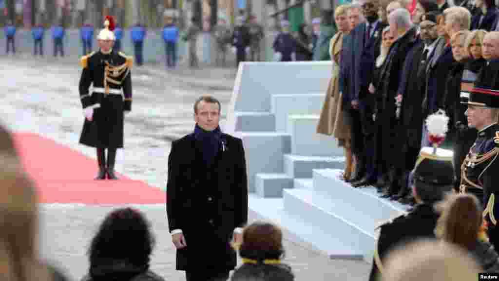 فرانسیسی صدر میکرون پہلی عالمی جنگ کے خاتمے کے سو سالہ یادگاری دن پر ہونے والی تقریب میں شریک ہیں