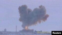 Uji coba misil Avangard, misil hipersonik senjata terbaru Rusia, di Orenburg pegunungan Ural bagian selatan, hari Rabu (26/12).