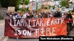 11 Haziran 2021 - G7 zirvesinin düzenlendiği İngiltere'de çeşitli çevreci gruplar dünya liderlerini, iklim kriziyle mücadelede yetersiz kaldıkları gerekçesiyle protesto etti