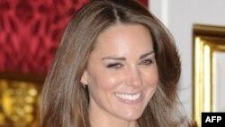 Cô Middleton sẽ là con nhà dân dã đầu tiên kết hôn với một hoàng tử đứng hạng cao trên danh sách những người nối ngôi vua nước Anh kể từ khi cô Anne Hyde kết hôn với James đệ nhị