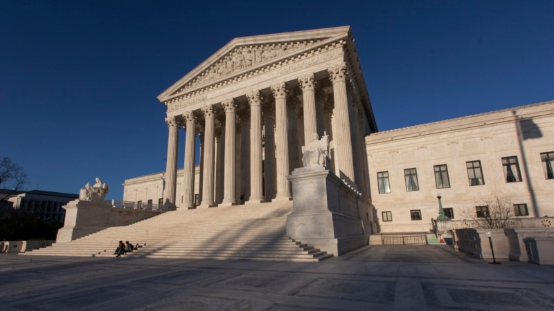 US Supreme Court Restricts Deportations of Immigrant Felons