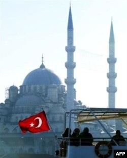 Almaniya rəsmisi Türkiyənin Avropa Birliyinə üzvlük müraciəti barədə danışıqlara çağırıb