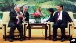 Рекс Тиллерсон с президентом Китая Си Цзиньпином