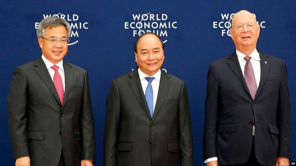 Thủ tướng Việt Nam đón chào quan khách quốc tế đến với Diễn đàn Kinh tế Thế giới