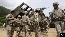Binh sĩ Mỹ trong cuộc tập trận chung với binh sĩ Nam Triều Tiên tại Cheorwon, tháng 6/2012