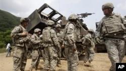 지난 6월 한국 철원에서 미·한 연합군사훈련에 참가한 미 육군 병사들.