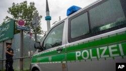 Seorang polis Jerman di Kota Munich, Jerman, 11 Juli 2019. (Foto: Lino Mirgeler via AP)