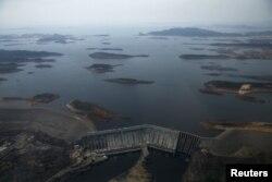 An aerial view shows Guri dam in Bolivar state, Venezuela, April 12, 2016.