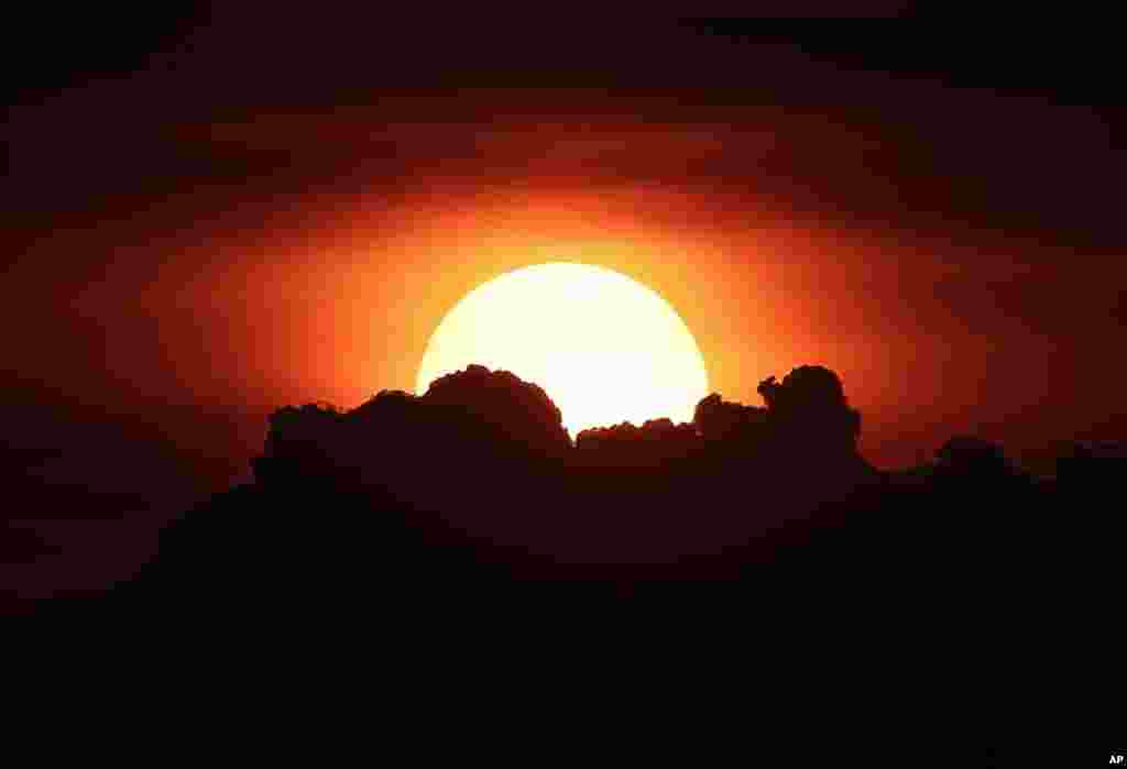 غروب خورشید در مانیل، فیلیپین