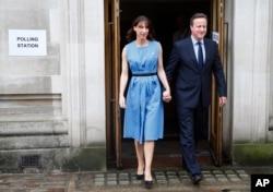 ນາຍົກລັດຖະມົນຕີ ອັງກິດ ທ່ານ David Cameron ແລະພັນລະຍາ Samantha ຫຼັງຈາກລົງຄະແນນສຽງລົງປະຊາມະຕິ ກ່ຽວກັບວ່າ ໃຫ້ອັງກິດອອກຈາກສະຫະພາບຢູໂຣບ, ນະຄອນລອນດອນ 23 ມິຖຸນາ, 2016.
