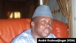 Abdéramane Djasnabaille, ambassadeur de la paix auprès de la Francophonie à N'Djamena, le 13 avril 2019. (VOA/André Kodmadjingar)