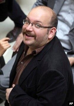 记者杰森·礼萨安在2013年4月11日