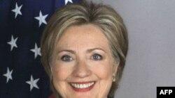 Ngoại trưởng Clinton nói rằng phê chuẩn hiệp định này sẽ mang lại những lợi ích ngoại giao