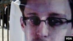 ທ້າວ Edward Snowden ຖະແຫລງການຕໍ່ບັນດາກຸ່ມ ສິດທິມະນຸດ ຢູ່ທີ່ ເດີ່ນເຮືອບິນ ໃນກຸງມົສກູ