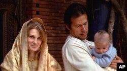 عمران خان و همسرش جمیما و اولین فرزندش
