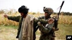 کشته شدن 8 پولیس و دو سرباز ناتو در افغانستان